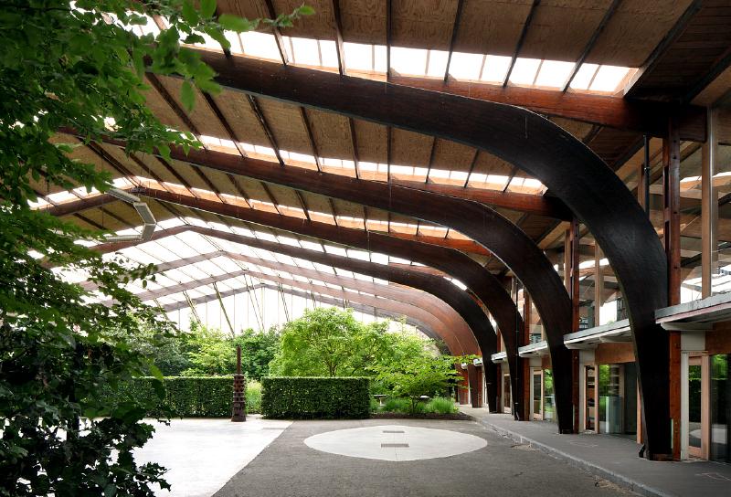 """Das Büro Robbrecht en Daem in Gent mit überdachter """"open space"""""""