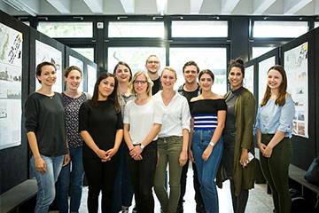 Architekturstudierende – Gruppenbild mit allen PreisträgerInnen